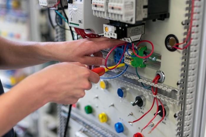 Electricista barato Electricista económico en Dehesa de Romanos Directorio de empresas de electricidad, Electricistas económicos en Palencia