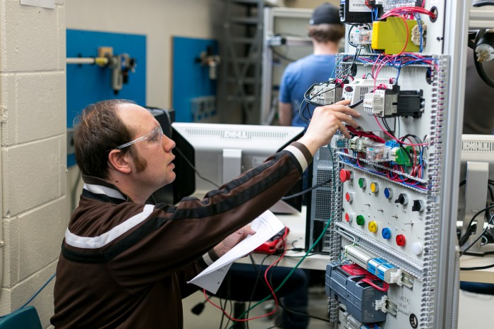 Electricista barato Electricista económico en Amorebieta-Etxano Directorio de empresas de electricidad, Electricistas económicos en Vizcaya