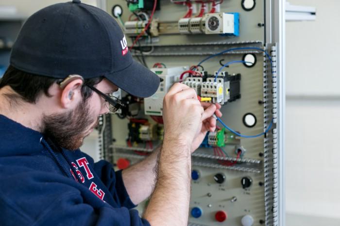 Electricista barato Electricista económico en Bercimuel Directorio de empresas de electricidad, Electricistas económicos en Segovia