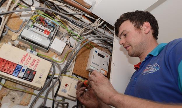 Electricista barato Electricista económico en Jaulin Directorio de empresas de electricidad, Electricistas económicos en Zaragoza